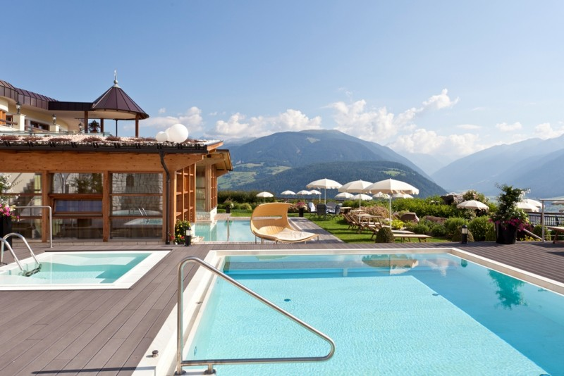 Alpin Panorama Hotel Hubertus ****s  4 outdoor pools