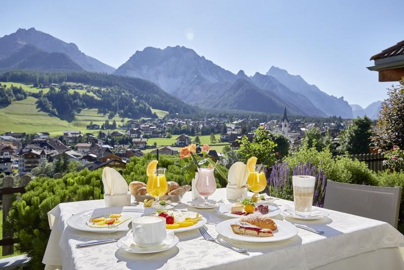 Hotel Excelsior ****s  Vital breakfast