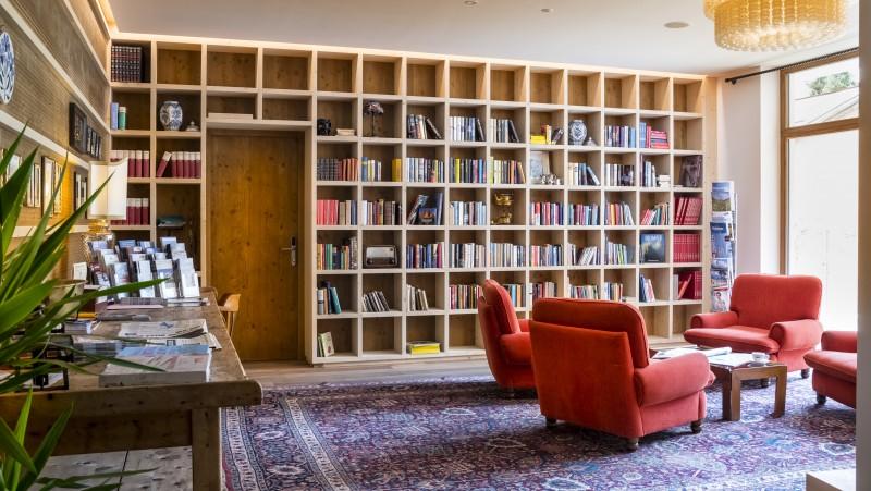 Sporthotel Tyrol Dolomites Bibliothek