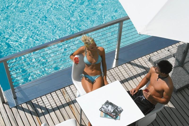 Alpines Wellnesshotel Tyrol ****  Pool bar