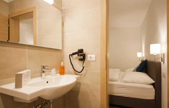 Hotel Sonneck *** Camera matrimoniale con bagno