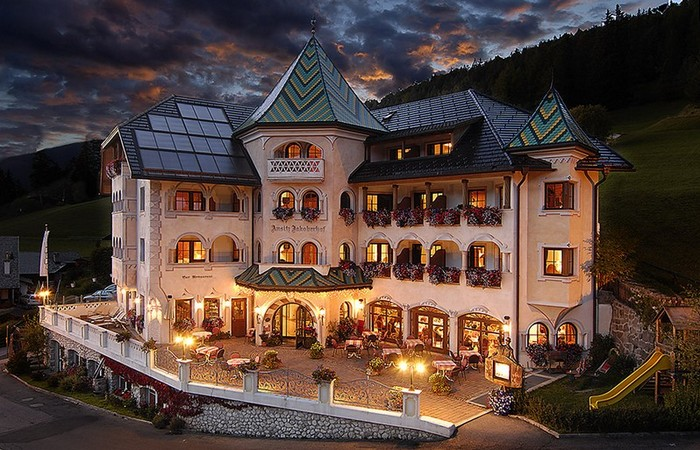 Hotel Ansitz Jakoberhof ****  4 Hotel Ansitz Jakoberhof
