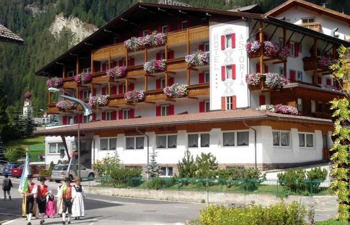 4 Hotel Astoria