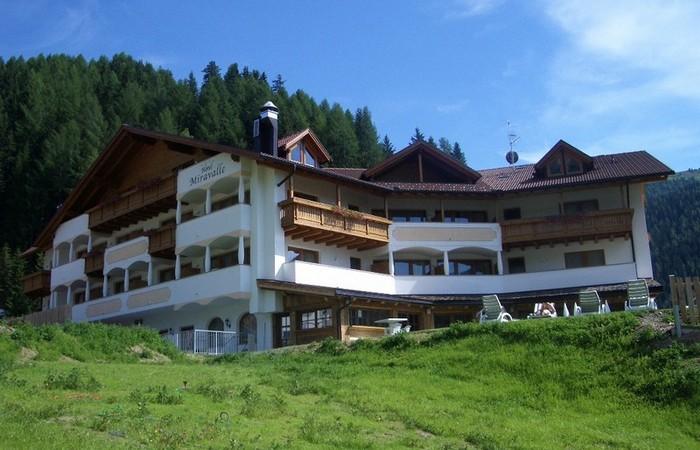 4 Hotel Miravalle