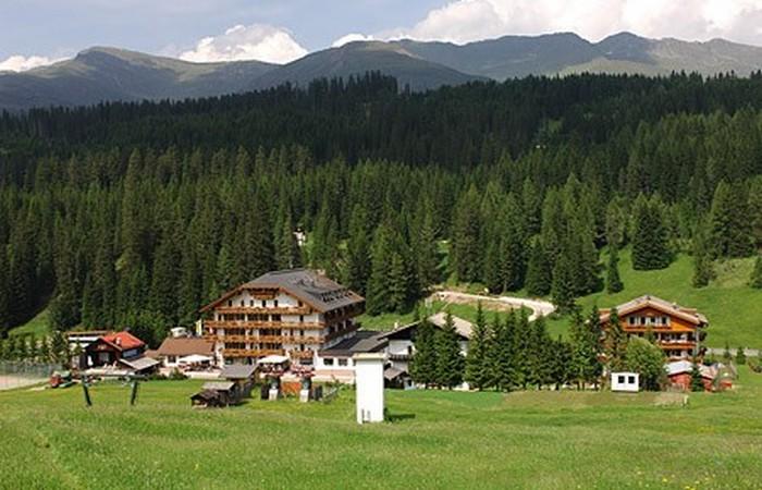 4 Hotel Passo Monte Croce