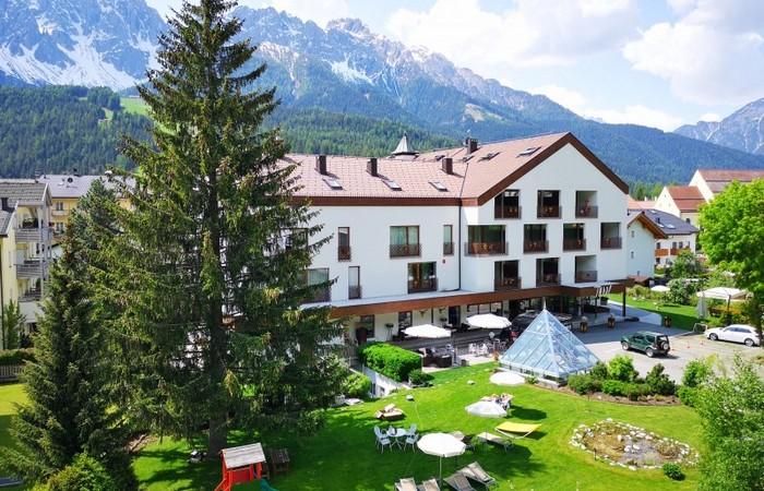 Sporthotel Tyrol Dolomites Aussenansicht