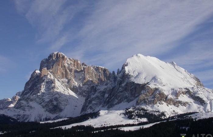 Galleria Fotografica Alto Adige Vista del Sassolungo e del Sassopiatto dall'Alpe di Siusi d'inverno