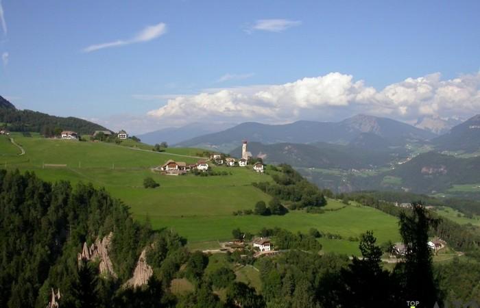 Galleria Fotografica Alto Adige Le piramidi di terra di Longomoso sull'altopiano del Renon