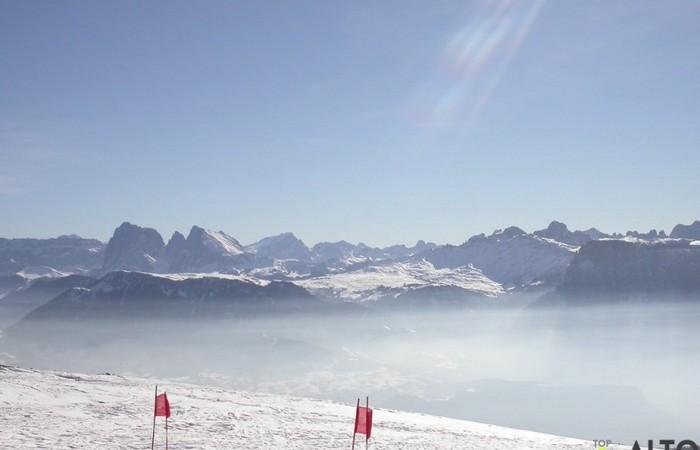 Galleria Fotografica Alto Adige Suggestivo panorama delle piste da sci dell'Alpe di Siusi dal Corno del Renon