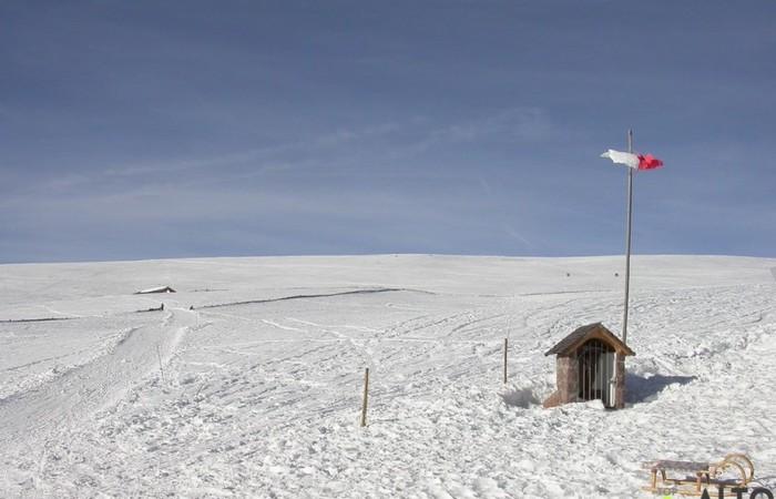 Fotogalerie Südtirol Skifahren, Schneeschuhwandern und Rodeln auf den Pisten des Corno del Renon